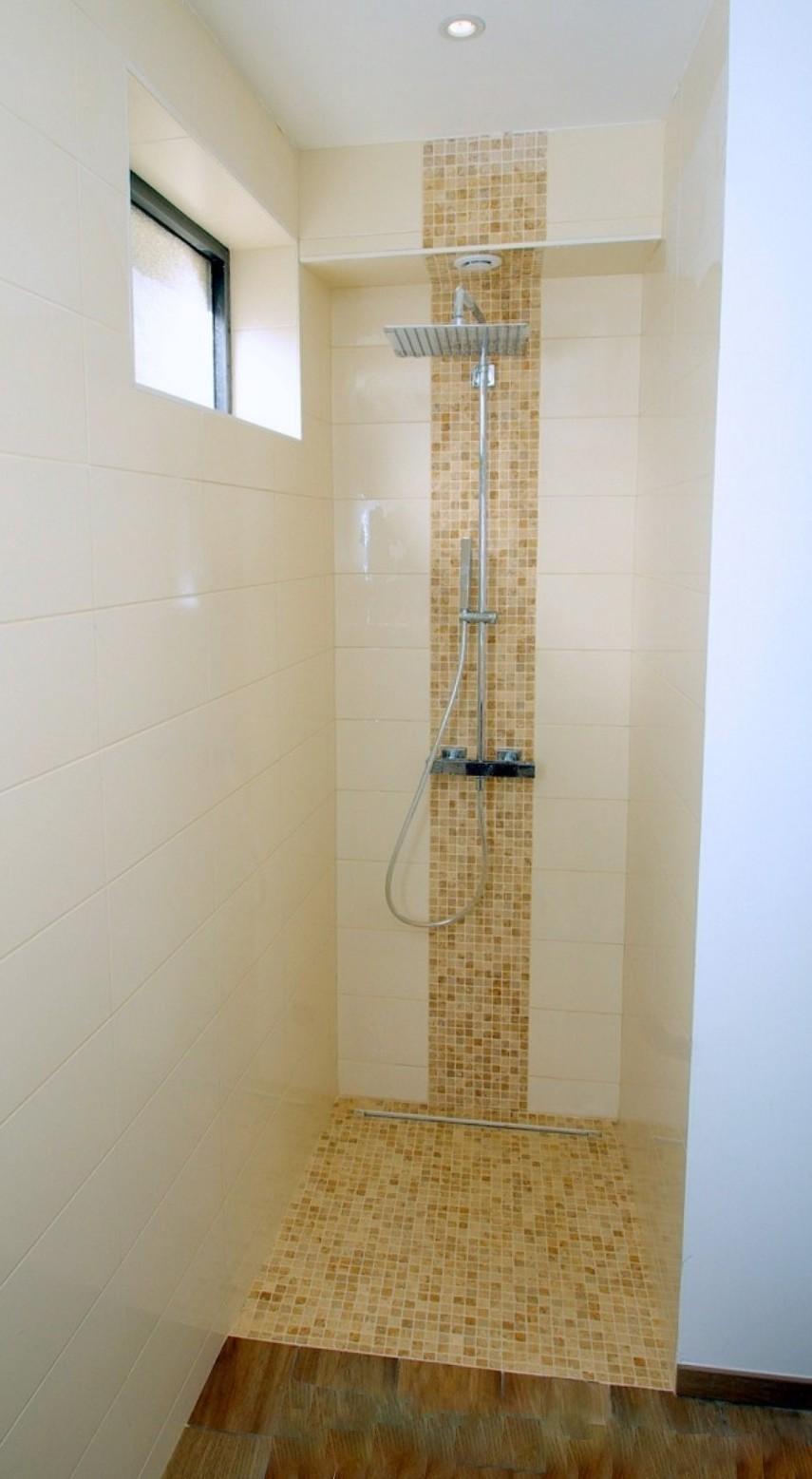 Carrelage et fa ence for Listel carrelage salle de bain